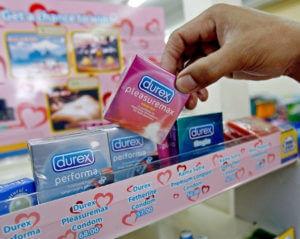 Покупка презервативов в аптеке